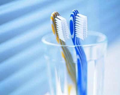 Зубные щетки. Как выбрать зубную щетку для взрослых и детей